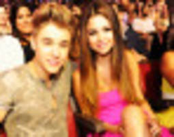 justin bieber and selena gomez eat breakfast together, help us belieb in love after love