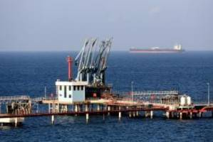 Libya threatens to bomb North Korean-flagged tanker