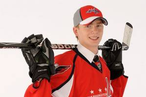 Capitals sign Evgeny Kuznetsov, debut vs. Penguins Monday
